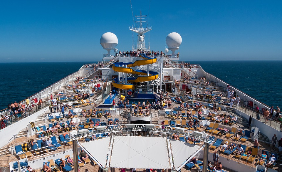 cruise ships like this have some traveling jobs no experience required