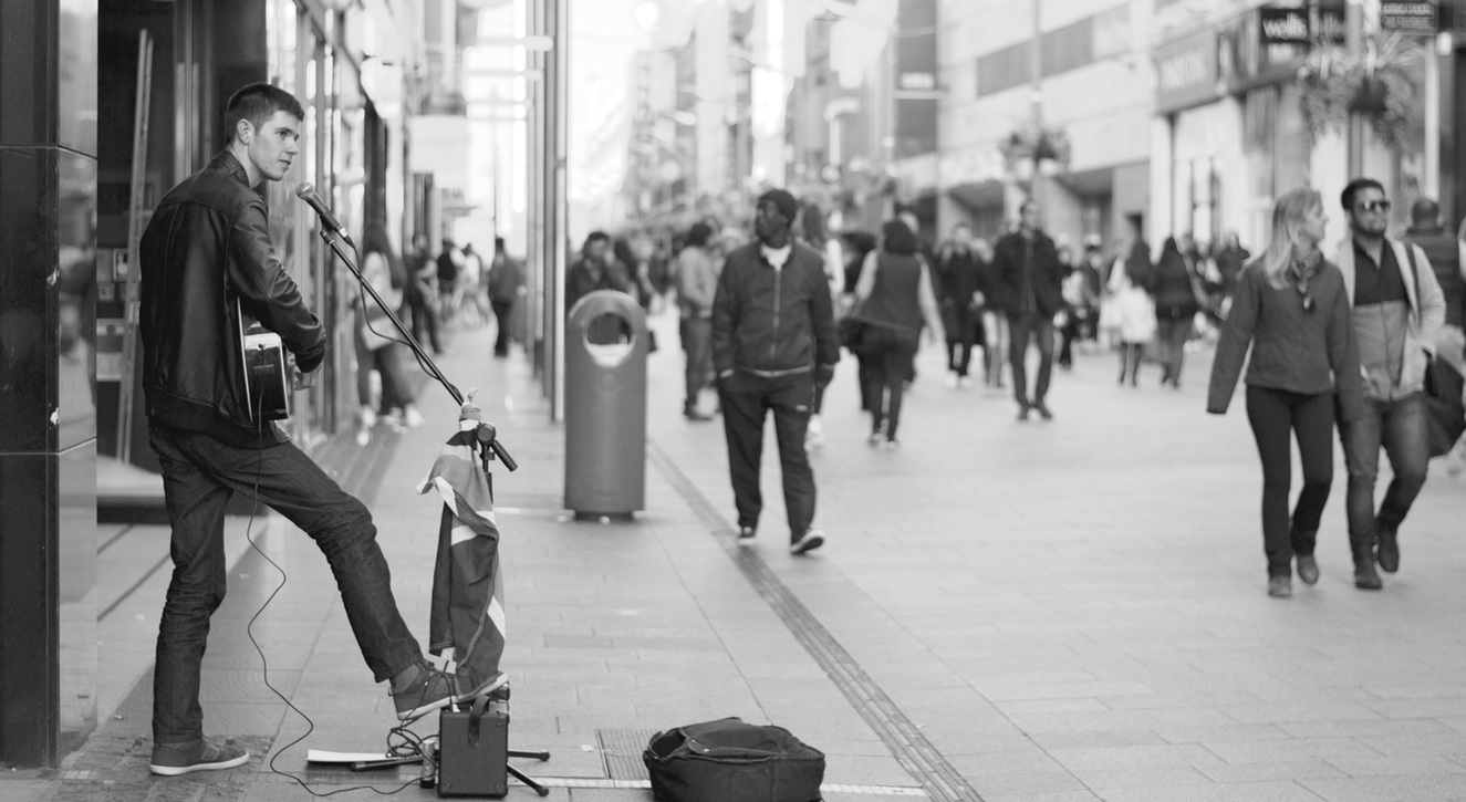 busking is one of the traveling jobs, no experience required